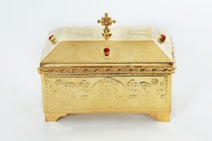 Box Engraved with Stones B