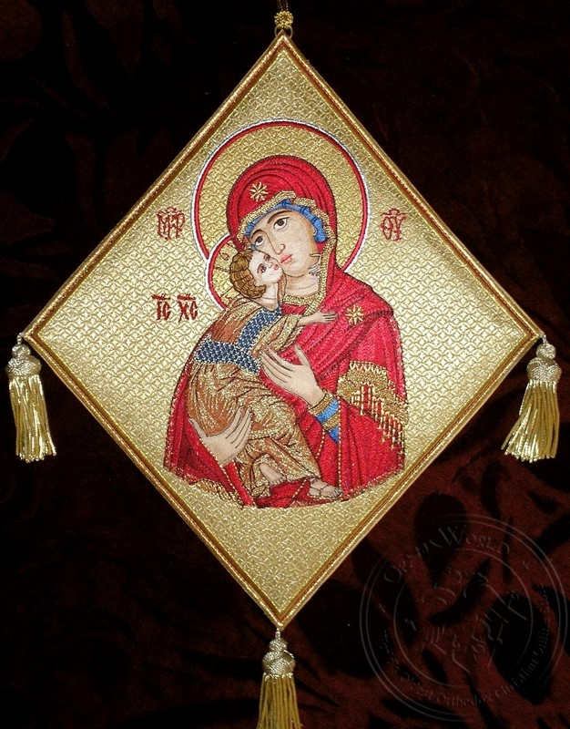 Mother of God with Embroidered Background - Hieratical kneepiece
