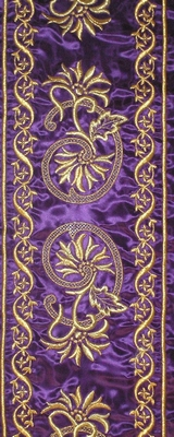Golden Flowers in Purple Color - Hieratical Galloon